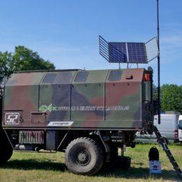 Abenteuer Allrad - MAN KAT mit ausrichtbaren Solarpanels