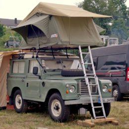 Abenteuer Allrad - alter Landy mit Dachzelt