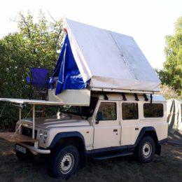 Buschtaxi-Treffen- Dachzelt mit Terrasse