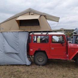 Buschtaxi-Treffen- Toyota Dachzelt mit Vorzelt
